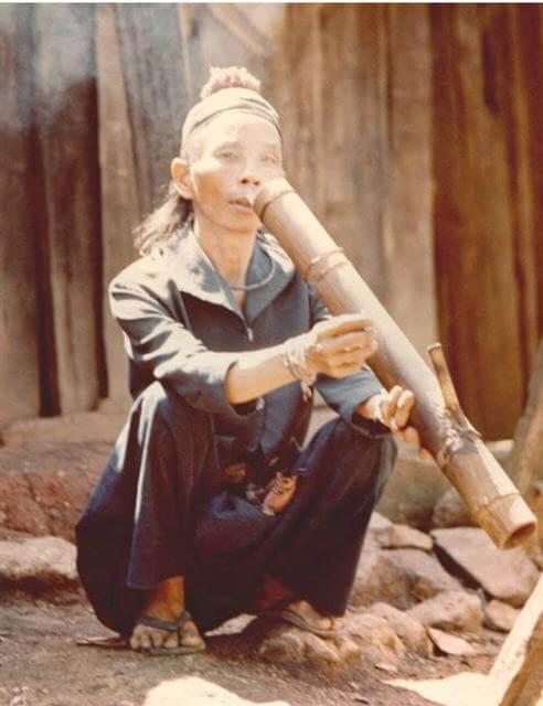 Campesino fumando en Baung