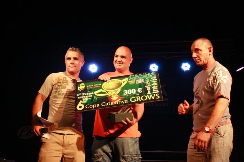 Exterior Amater: Gallego con Black Domina para Grow Castellet