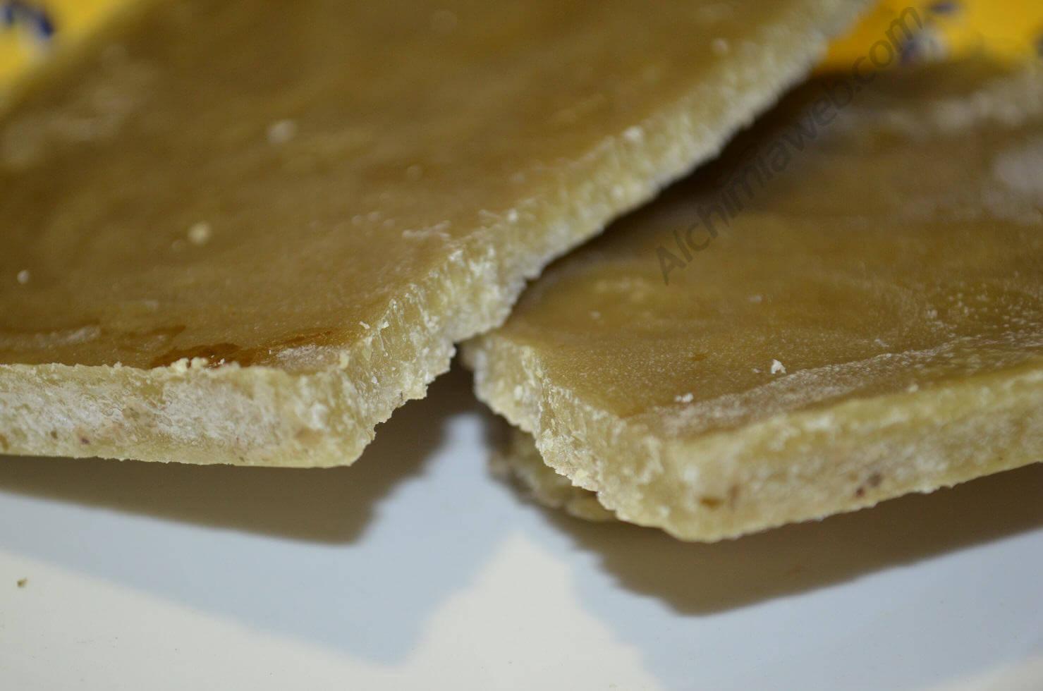 Mantequilla de marihuana vegana: cocinada con aceite de coco