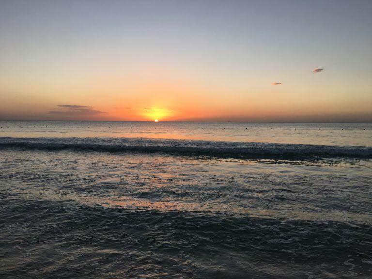 Puesta de sol en Cayenne Beach