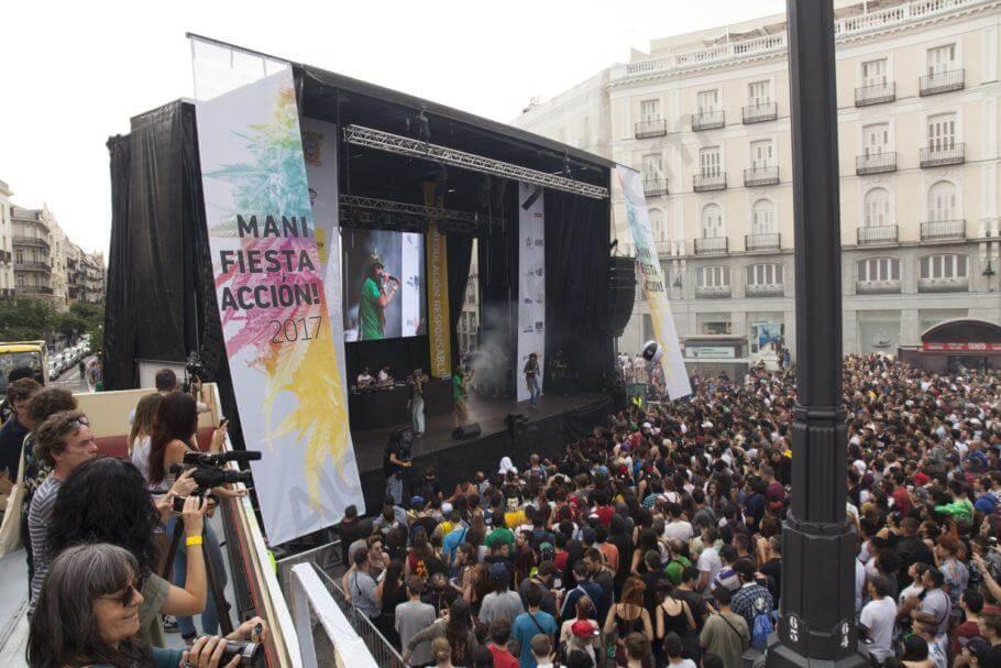 La ManiFiestaAcción en la plaza del Sol de Madrid