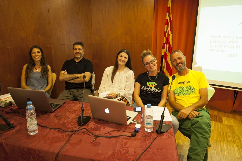 Representantes de algunas de las entidades que participaron en el 2º encuentro CannabMed