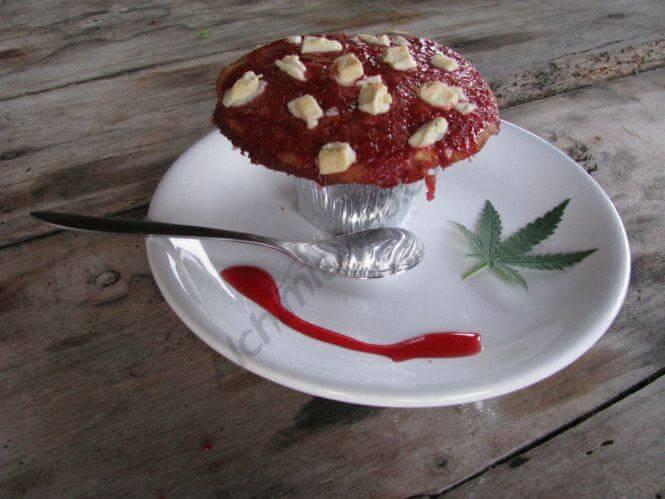 Muffins de chocolate y marihuana con galletas