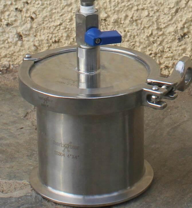 La válvula del recuperador debe estar siempre en posición cerrada cuando el sistema no está en servicio