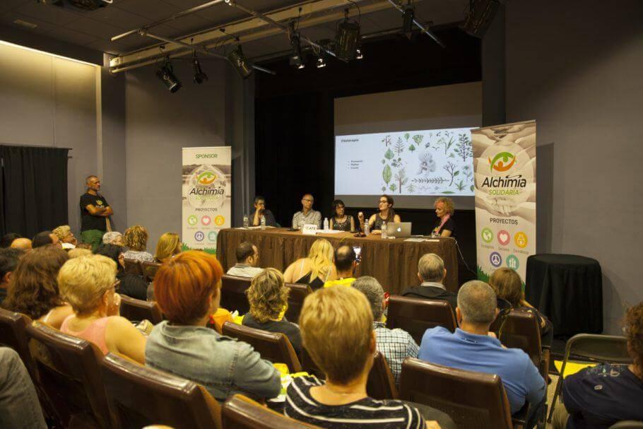 Estefanía Almenar en la 2ª Jornada Usos Terapéuticos del Cannabis - Figueres