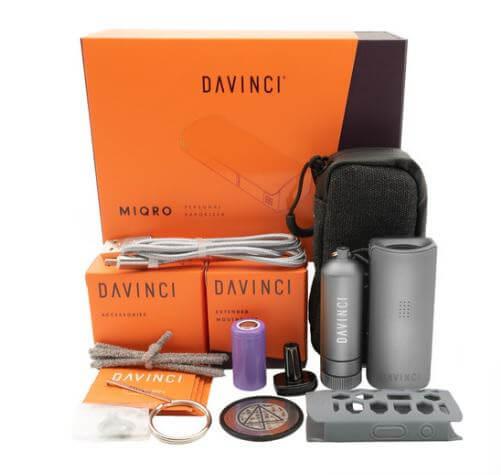 Imagen del kit completo que acompaña al vaporizador DaVinci MIQRO