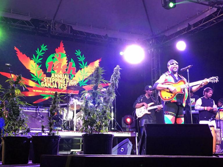El llegendari Toots Hibbert durant el concert a la 14a edició del Stepping High Ganja Festival