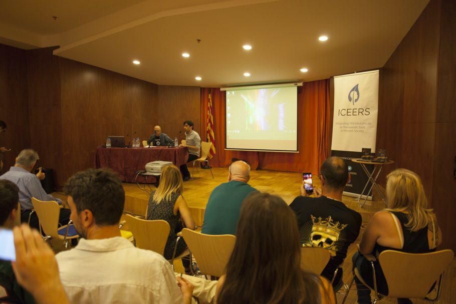 Oscar Parés en la presentació de la 2ona Trobada Trimestral CANNABMED 2017