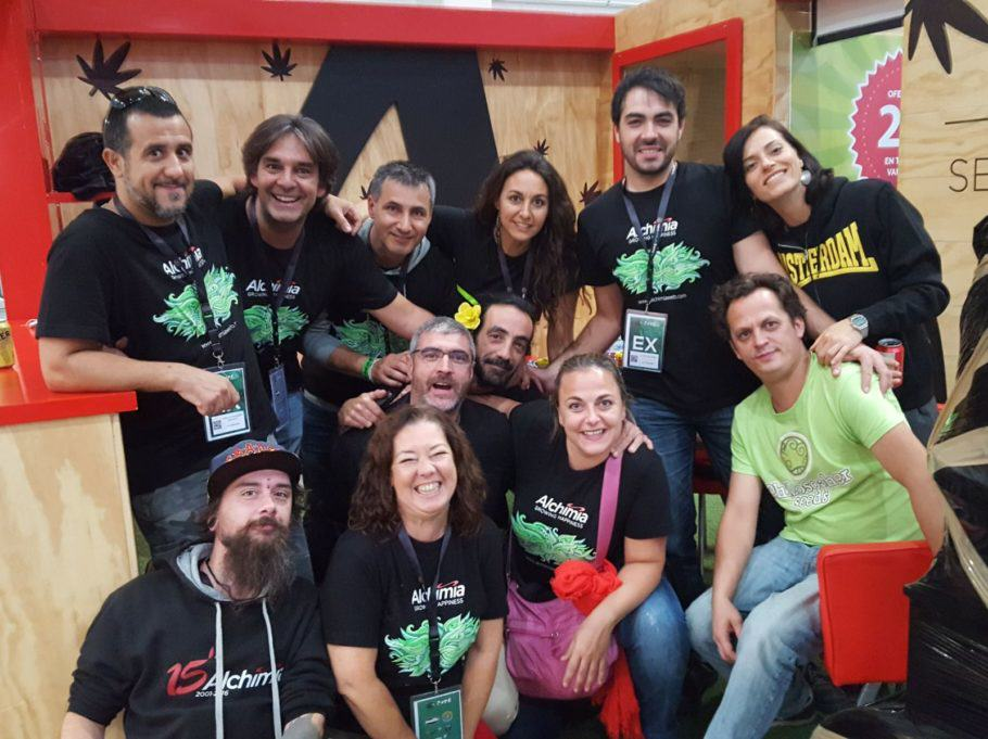 L'equip d'Alchimia i Philosopher Seeds a Irun