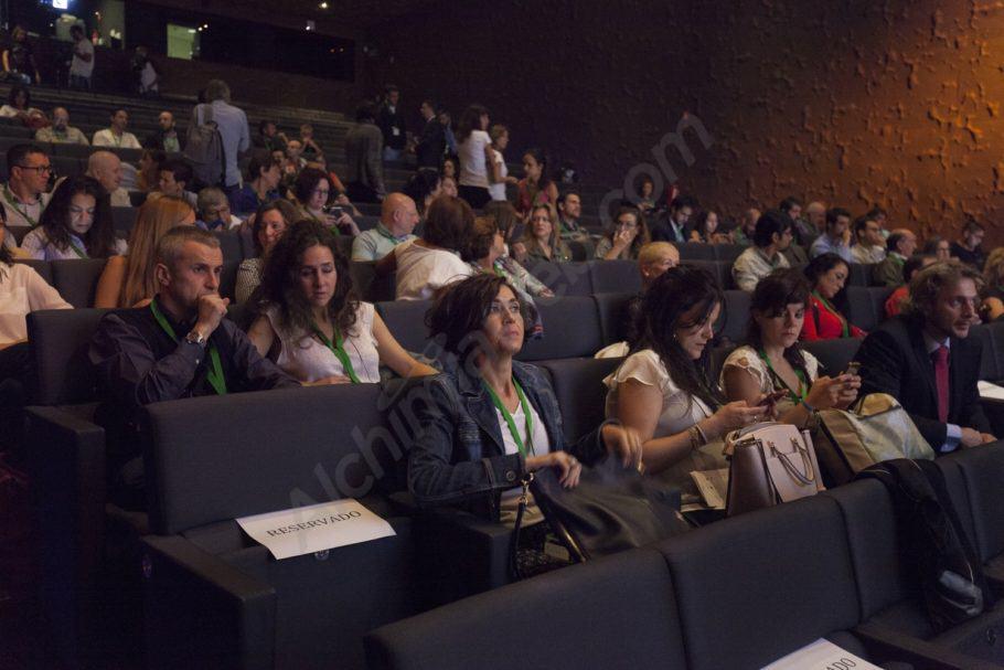 El públic assistent a les jornades de cànnabis medicinal
