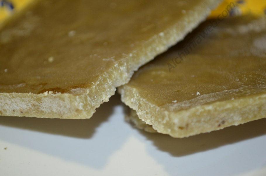 Oli de cànnabis solidificat