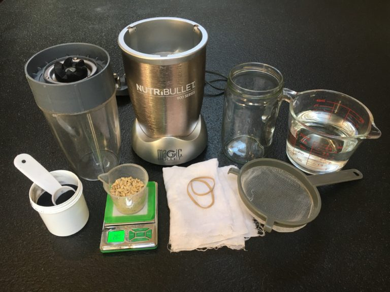 Material utilitzat per preparar un te de brots germinats