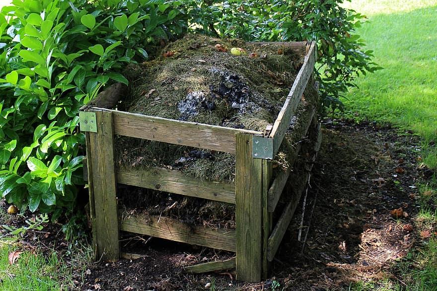 En el compostatge tradicional la matèria orgànica perd molt de pes