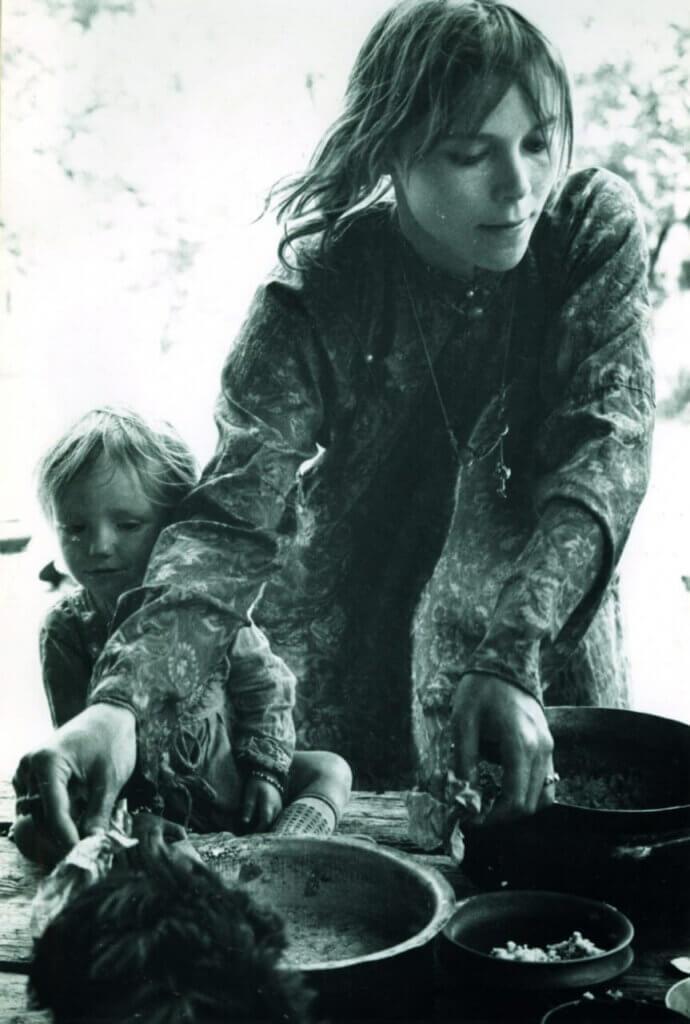 Mila amb la seva filla a l'Índia