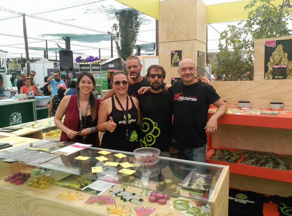 Alchimiaweb and Philosopher Seeds, together at 2016 Expoweed Chile