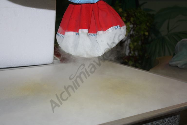 Dry ice is a very fast method to separate resin