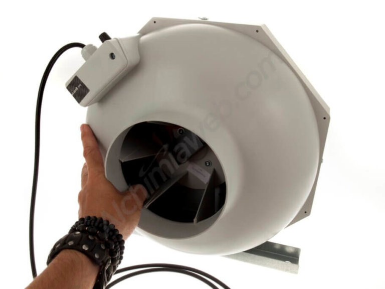How to choose the extractor fan for your indoor grow room