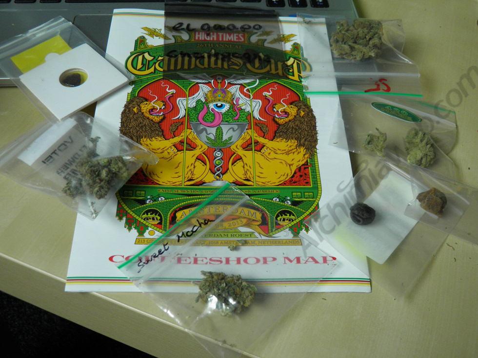 Carte des Coffee Shops et échantillons de cannabis à juger