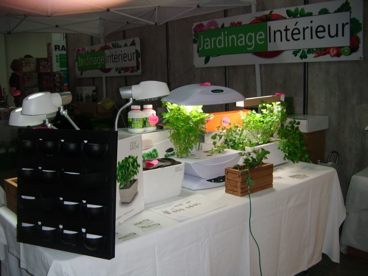 Visite au salon technigrow 2014 de lyon blog du growshop for Skunk interieur