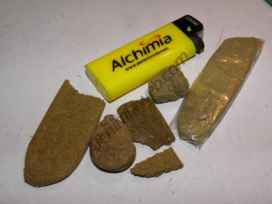 Différentes qualités de haschisch obtenues avec Topzeef
