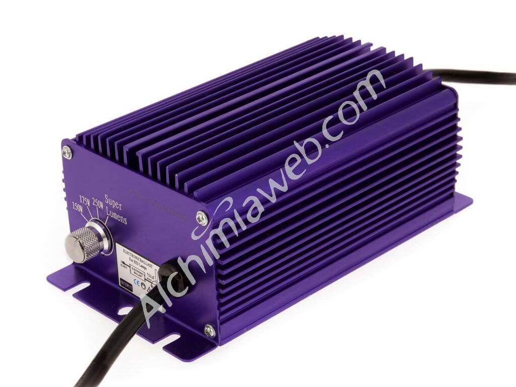 Ballaste électronique Lumatek avec les câbles et le régulateur proposant 4 puissances.