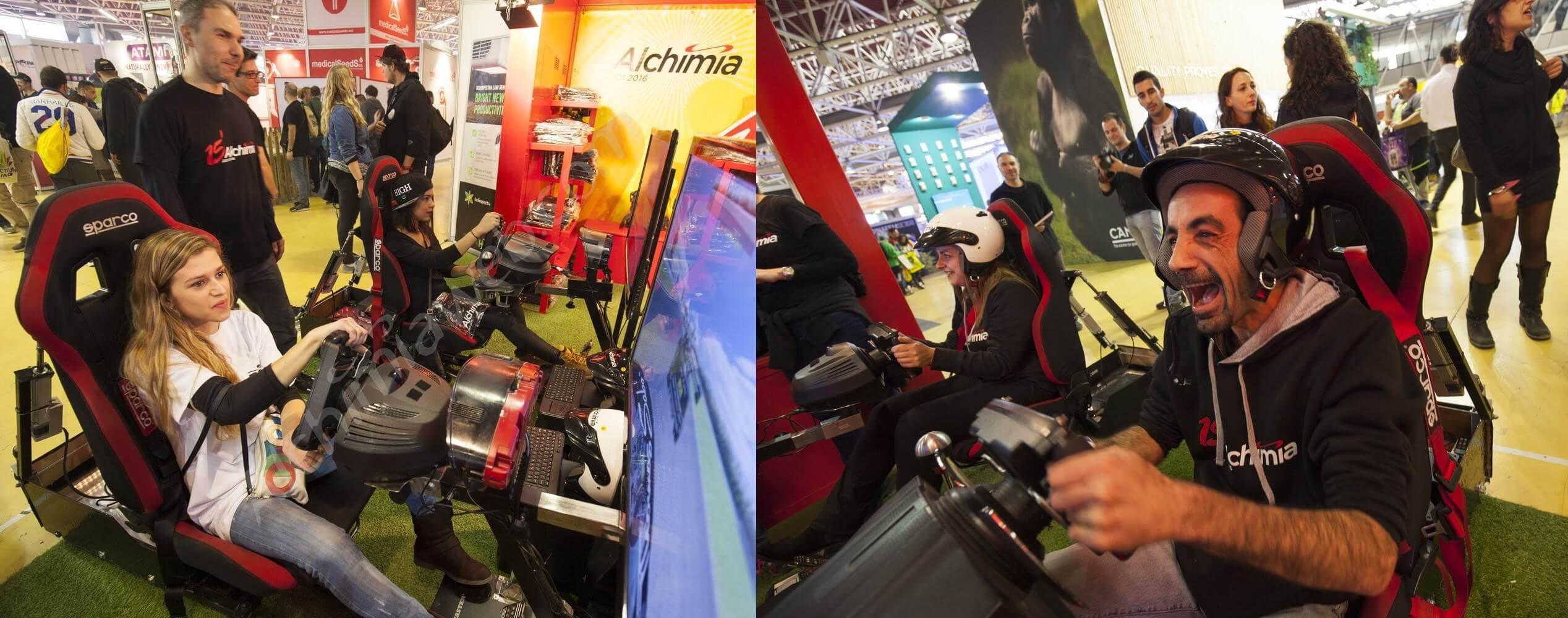 Simulateurs de course de voiture au stand Alchimia